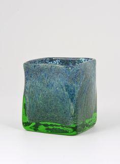 Green glass vase - Benny Motzfeldt, Randsfjord Glassverk, Norway, 1967-70