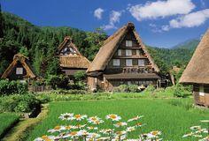 実は夜もキレイ。日本の原風景が息づく世界遺産「白川郷」