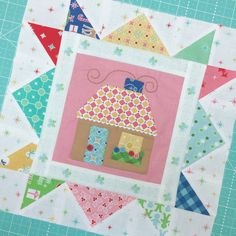 Bee In My Bonnet: Cozy Christmas Sew Along Christmas Blocks, Christmas Sewing, Cozy Christmas, Christmas Crafts, Cute Quilts, Scrappy Quilts, Mini Quilts, Baby Quilts, House Quilt Block