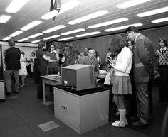 vintage everyday: Vintage Photos of Mini-skirts Behind The Computers