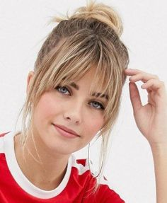 Best Long Hairstyles with Bangs for Women in 2019 - Haircutstyles Website - ** Hair & Beauty **Acconciature lunghe con frangia Short Bangs, Long Hair With Bangs, Haircuts With Bangs, Thin Hair Bangs, How To Cut Bangs, Bangs With Ponytail, Fringe With Long Hair, Blonde Lob With Bangs, Bangs Updo