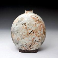lee-kang-hyo-buncheong-pottery-475x475