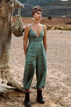 Inka Linen Jumpsuit in Clover - Arnhem Clothing Linen Pants Outfit, Arnhem Clothing, Summer Outfits, Cute Outfits, Jumpsuit Pattern, Bohemian Mode, Playsuit Romper, Boho Fashion, Overall Shorts