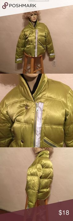 REI LADIES PUFFER  DOWN JACKET SIZE SMALL NICE AND WARM  PREOWNED AND WORN A FEW TIMES DOWN PUFFER  LONG SLEEVE JACKET ....ZIPS UPFRONT & SNAPS SOLD AT REI. THE LABEL SAYS 80 percent DOWN AND 20 percent feathers. FROSTBYTE Jackets & Coats Puffers