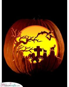 It's time for creating jack-o-lanterns so check out our easy pumpkin carving ideas! We have collected 25 creative pumpkin decorating ideas for you! Halloween Pumkin Ideas, Halloween Pumpkin Stencils, Scary Pumpkin Carving, Scary Halloween Pumpkins, Amazing Pumpkin Carving, Pumpkin Art, Pumpkin Ideas, Halloween Graveyard, Pumpkin Template