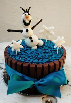 Bolo frozen kit kat O bolo da Juju feito pela titia Frozen
