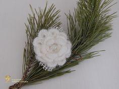 White big pin. White Flower Brooch.  от MyKnittedAccessories