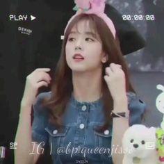 Jisoo Do Blackpink, Kpop Gifs, Dance Kpop, Rose Video, Blackpink Video, Vine Videos, Blackpink Photos, Album Bts, Blackpink And Bts