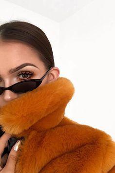 Black Thin Retro Sunglasses - New In | LASULA
