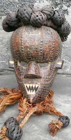 Rare mukinka mask of the salampasu