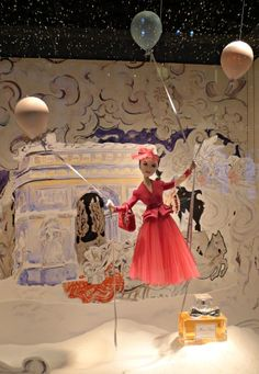 Printemps windows– A Christmas Wonderland by Christian Dior. Charming scene with Poupette and Dior perfume. Many beautiful photos at this site!
