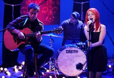 Paramore perform on 'MTV Unplugged. Jeremy Taylor, Mtv Unplugged, Hayley Williams, Pop Punk, Paramore, Cool Bands, Photo Galleries, Concert, Music