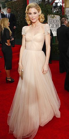 Julie Bowen dons my favorite dress... It's kind of popular on this board. [Reem Acra]