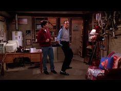 Everybody Loves Raymond: Robert Teaches Ray to Dance: I love how Brad cracks Ray up in this scene! Brad Garrett is a comic genius, and Robert Barone is my spirit animal. Comedy Tv Shows, Comedy Show, Movies And Tv Shows, Marie Barone, Everyone Loves Raymond, Patricia Heaton, Tv Land, Funny Comedy, My Spirit Animal