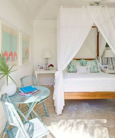 Ideas for Romantic Tropical Canopy Beds! CC: http://www.completely-coastal.com/2015/08/romantic-tropical-canopy-beds.html