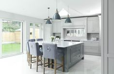 Kitchen Living Rooms Remodeling Grey, white and Oak kitchen Grey Kitchen Cabinets, Kitchen Cabinet Design, Kitchen Flooring, Kitchen Decor, Kitchen Cupboard, Grey Kitchen Diner, White Kitchen Worktop, Grey Kitchen Interior, White Kitchen Floor