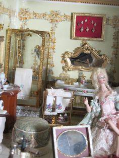 Victoria, Mirror, Furniture, Home Decor, War, Third, Plants, Decoration Home, Room Decor