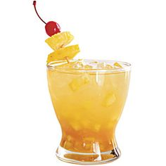 Alabama Yella Hamma Muddle cup diced fresh pineapple, cup fresh orange juice, and 2 Tbsp. turbinado sugar in a glass. Fill glass with crushed ice, and top with seltzer water or club soda. Garnish with a maraschino cherry and pineapple chunks. Fun Drinks, Yummy Drinks, Beverages, Party Drinks, Party Party, Tailgate Food, Tailgating, Football Food, College Football