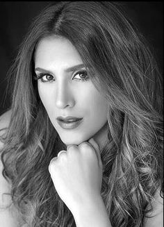 Daniela Ospina  #woman #mother