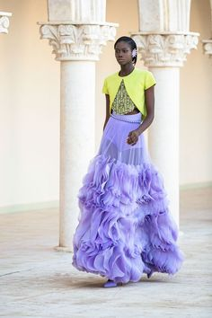 Georges Hobeika Fall Winter 2021-2022 Haute Couture fashion show at Paris Couture Week FW21 (July 5, 2021). Runway Fashion, Fashion News, Fashion Show, Couture Week, Haute Couture Fashion, High End Fashion, Live Fashion, Runway Magazine, Georges Hobeika