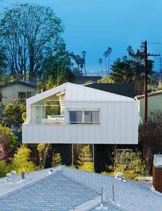 floating bungalow - grunbaum residence by bestor architecture - designboom | architecture & design magazine