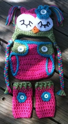 Newborn Baby Girl Sleepy Crochet owl hat with leg warmers and nappy cover