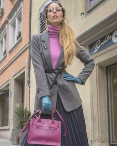 Перчаточная тема продолжается... Я использовала все тот же серый базовый жакет, который был в предыдущем посте, но в другой комплектации и… Street Style, Urban Style, Street Style Fashion, Street Styles, Street Fashion
