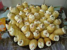 Rulouri Romanian Desserts, Romanian Food, Romanian Recipes, Easy Desserts, Garlic, Stuffed Mushrooms, Deserts, Projects To Try, Rolls