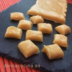 Receta de ternera con champiñones - Divina Cocina Chocolates, Honey Caramel, Brownie Desserts, Caramel Recipes, Bread Machine Recipes, Gluten Free Treats, Tasty Bites, Cookies And Cream, Easy Snacks