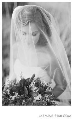Wedding Veils : My Olivia Nelson Photo Shoot. Photo by Jasmine Star.