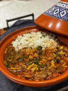 Moroccan Lamb Tagine, Moroccan Tagine Recipes, Moroccan Dishes, Lamb Tagine With Apricots, Lamb Tagine Recipe, Morrocan Food, Moroccan Party, Tagine Cooking, Slow Cooking