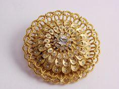 Beautiful intricate Vintage Brooch