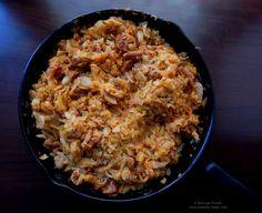 Varza calita cu jumari. Romanian Food, Fried Rice, Fries, Tasty, Meals, Traditional, Ethnic Recipes, Meal, Food