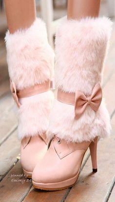 Emmy DE * fluffy boots #pink