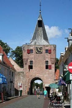 Elburg heeft een prachtig Romeins stratenplan en een middeleeuws centrum. (1987)