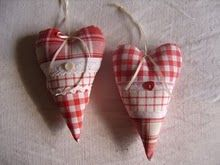 """i want to do something like this as """"Christmas Cards"""" to give to family using Chris' grandma's fabric"""