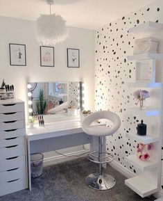 [New] The 10 All-Time Best Home Decor (Right Now) - Home Decor by Carolyn Saunder - Beauty Room Inspo _____________________________________________________ Cute Room Decor, Cute Bedroom Ideas, Girl Bedroom Designs, Makeup Room Decor, Makeup Rooms, Beauty Room Decor, Makeup Desk, Makeup Salon, Makeup Storage