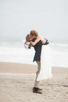 Colorful North Carolina beach wedding: http://www.stylemepretty.com/2014/07/08/colorful-north-carolina-beach-wedding/ | Photography: http://ajdunlap.com/