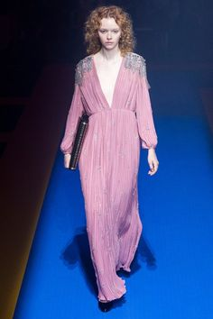 See the entire Gucci Spring 2018 collection.