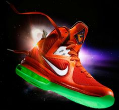 66d6983a8bf6 Lebron 9 Galaxy wit h Glow in the Dark Sole