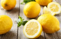 What Makes Lemons So Healthy? - Available year-round, lemons are at their peak in May – just in time for homemade lemonade. A citrus fruit, lemons are a good source of vitamin C, a potent antioxidant that helps to keep the immune system strong. Cleanse Your Liver, Liver Detox, Body Detox, Seborrhoische Dermatitis, Lemon Olive Oil Cake, Ayurvedic Hair Oil, Limpieza Natural, Program Diet, Drinking Lemon Water