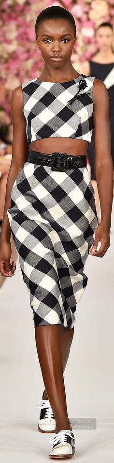 Oscar de la Renta Spring 2015 classic retro  black shade, pencil skirt and crop top