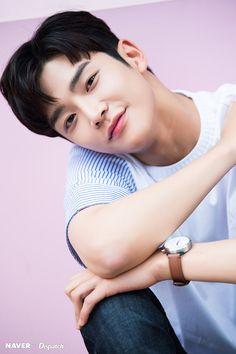 Actors Male, Korean Actors, Actors & Actresses, Neoz School, Afro, Kpop Hair, K Idol, Korean Men, Celebs