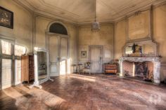 https://flic.kr/p/hDFTkm   Chateau de la Foret (BE)   A lovely abandoned castle which has been left alone for about 8 years now. It doesn't get any better than this..