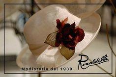 Colori a contrasto per creare un'armonia di insieme! Cloche in sisal avorio fiore in organza e raso bordeaux.  #cappello #cappelli #hat #hats #moda #fashion #modauomo #modadonna #manfashion #womanfashion #accessori #hatsday #instalike #instalife #instamoment #l4l #like4like #likeforlike #artigianato #madeinitaly #style #matrimonio #wedding #bride #sposa #modisteria