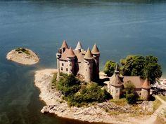 château du Val d'Auvergne. Auvergne