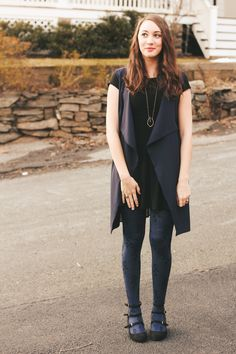 here's how to wear blue and black together, with some fun tights! #themosthappystyle