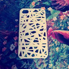 Bird's Nest.  Carcasa para iPhone 4/4s.  $7000