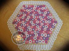 serweta na szydełku z elementów kwiatów