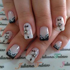 Que nota de 0 a 10 para esta unha? Gel Nail Art Designs, Fingernail Designs, Cute Nails, Pretty Nails, Black Acrylic Nails, French Nail Art, Bridal Nails, Square Nails, Bling Nails